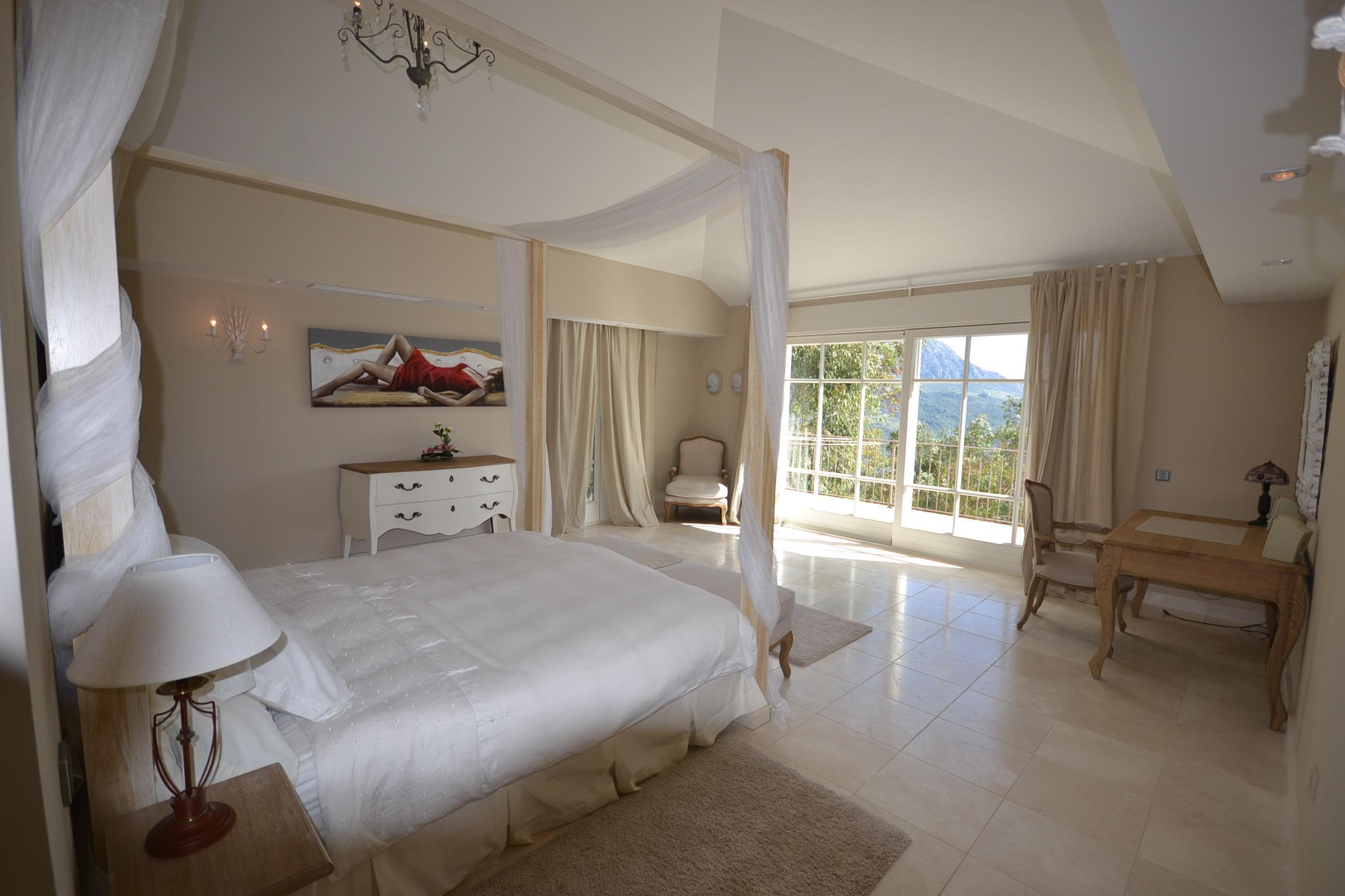 the master bedroom laposadaromana